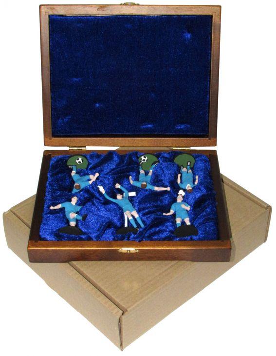 """Набор миниатюр в деревянной шкатулке """"ФУТБОЛ"""" 6 фигур (голубая форма)"""