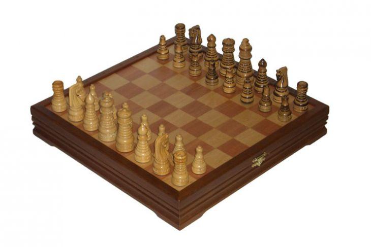 Игровой набор - шахматы + шашки