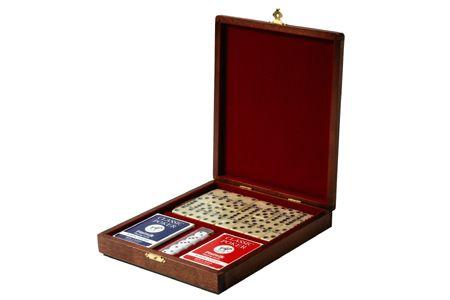 Набор игр в деревянной шкатулке
