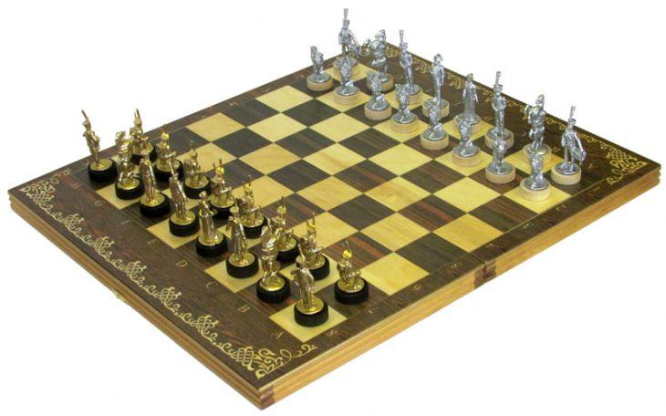 """Шахматы исторические """"Бородино"""" с фигурами из покрашенного цинкового сплава"""