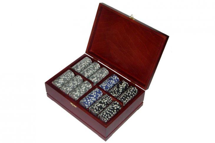 Набор покерный: 500 фишек, колода карт и кости